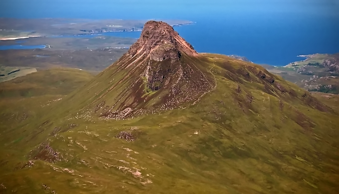 Stac Pollaidh looks fabulous from this vantage point